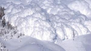 lavina-povleche-trima-alpinisti-v-raijona-na-sedemte-rilski-ezera-121198
