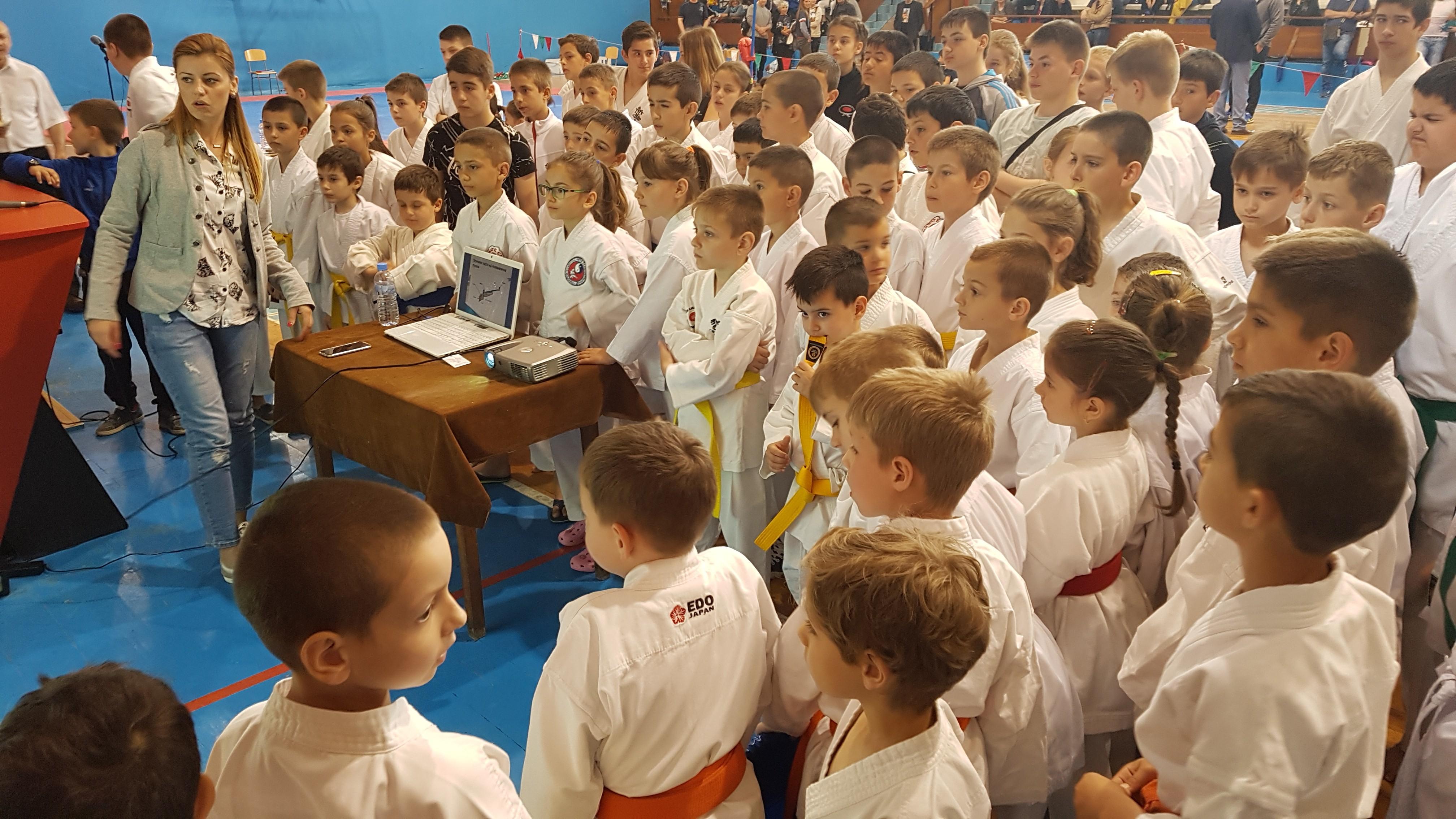 Спортен празник събра стотици деца във Видин