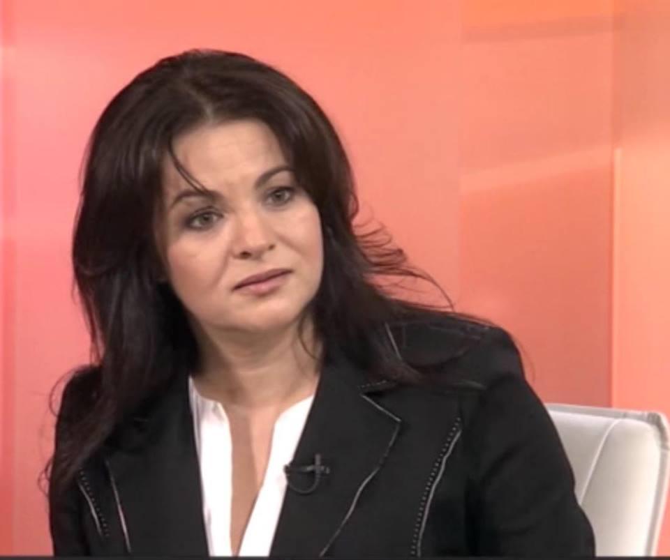 Росица Кирова: На България не са й виновни мигрантите. За България са проблем българите. Онези, които с поведението и избора си превърнаха Родината ни в обезлюдена, непривлекателна територия за собственото й население