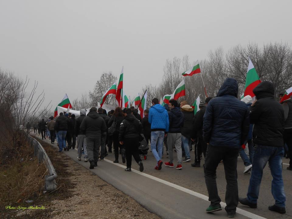 Човек от протеста в отговор на написаното днес от министър Нанков: Не обиждайте българските граждани
