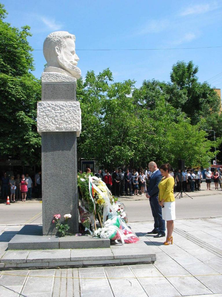 Поклон пред героите на България!
