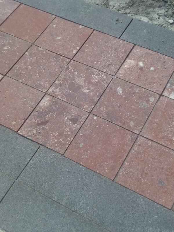 Плочки за баня сменят тежкия мрамор на площад Бдинци